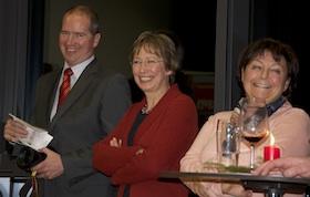 Markus Auerbach mit Stadträtin Heide Rieke und Gabi Meissner