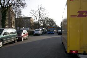 Ittlingerstr.: Absolutes  Halteverbot wegen Busverkehr