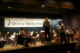 Dirigent Ulrich Pfützner und Orchestergründer Siegfried Großmann