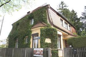 Ortsbesichtigung beim Zehentbauer-Haus
