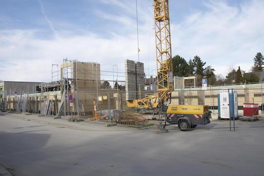 Statt Container festere Holzbauten